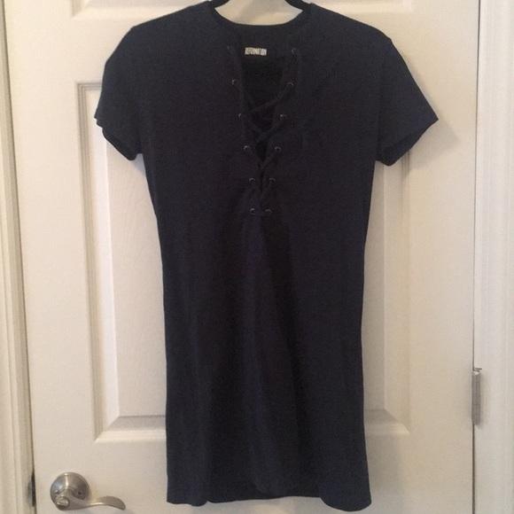 3a543031e4 Reformation deep- V tie up t-shirt dress. M 5ae6175536b9dec3e2c0904e